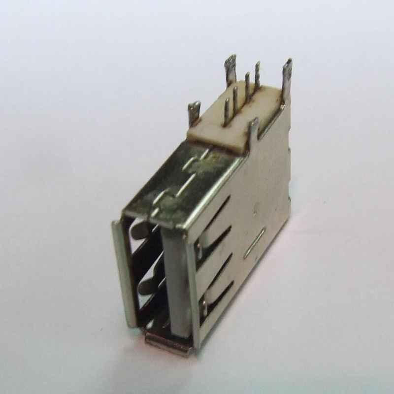 CONECTOR USB AF PARA SOLDAR PCB VERTICAL USADO
